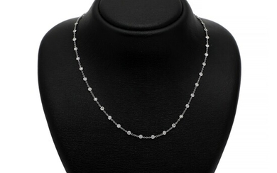 A diamond necklace set wtih numerous brilliant-cut diamonds weighing a total of app. 1.94 ct., mounted in 18k white gold. W. 3.5 mm. L. 48 cm.