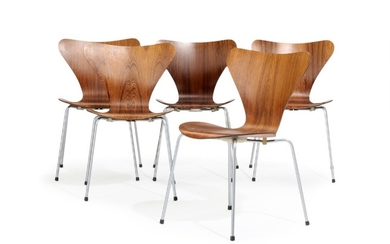 """Arne Jacobsen: """"Seven Chair"""". A set of five rosewood chairs with plywood shell, chromium-plated steel frame. Manufactured by Fritz Hansen, 1965. (5)"""