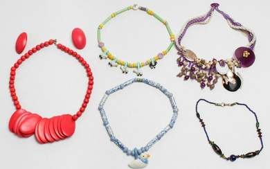 Costume Jewelry inc Parrot Pearls & Flying Colors