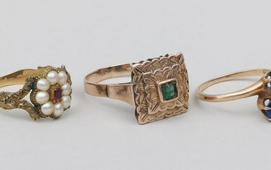 Group of (3) Victorian style gold rings