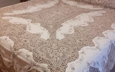 Hard to find hand-embroidered bedspread with PIZZO DI CANTU '- 235 x 255 cm - Linen - 1950