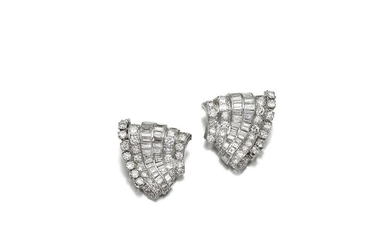 PAIR OF DIAMOND BROOCHES, VAN CLEEF & ARPELS, 1930S