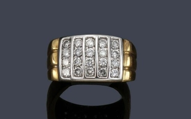 Ring with vertical bands of diamonds of approx. 1.00 ct