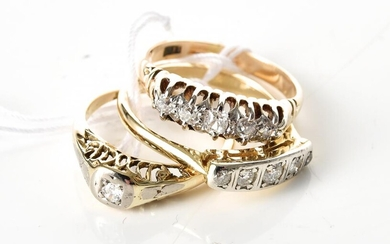 THREE DIAMOND SET RINGS IN 18CT GOLD, SIZES FROM J TO M, 7GMS