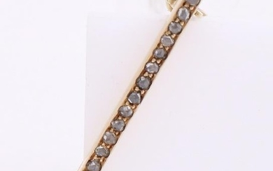Yellow gold bar brooch, 585/000, with diamond. Small