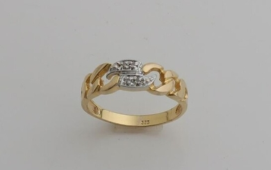 Yellow gold ring, 585/000, with link motif on top set