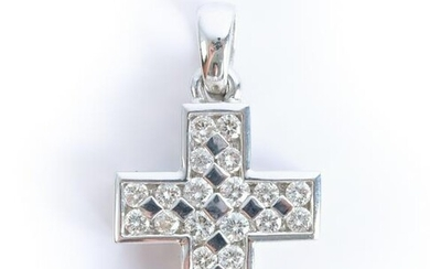 14K White Gold Cross w/22 Round Diamonds