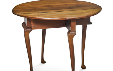 A Queen Anne Mahogany Drop Leaf Table