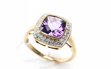 AN AMETHYST AND DIAMOND RING IN 9CT GOLD, RING SIZE N½