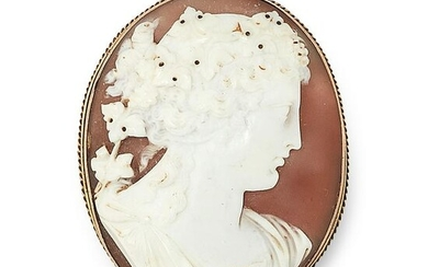AN ANTIQUE CARVED CAMEO BROOCH, 19TH CENTURY in yellow
