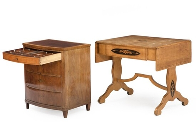 An Empire dressing commode of mahogany and birchwood drop leaf table with marquetry. 19th century. (2)