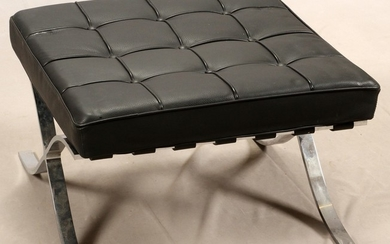 BARCELONA STYLE LEATHER STEEL BENCH 23 21.75 14.5
