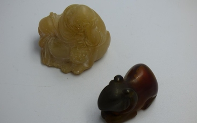 Carved Oriental Agate model of a squirrel & carved soapstone...