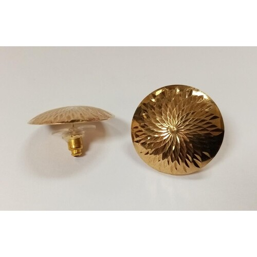 Pair of Large 9ct Gold Stud Ear Rings