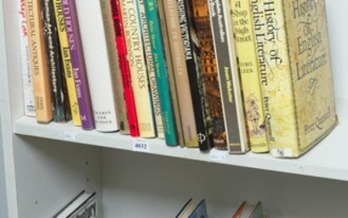 SHELF OF BOOKS ON ART AND ARCHITECTURE