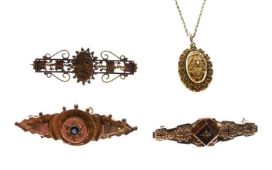 Small group of jewellery comprising; two 9ct gold brooches,...