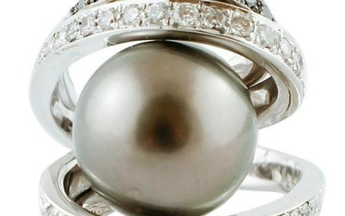 White & Black diamonds, Grey South Sea Pearl, White