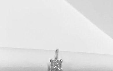 1.01ct diamond solitaire ring with a princess cut...