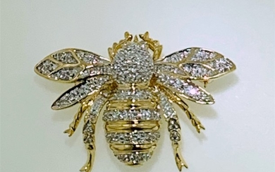 14KT TWO TONE GOLD DIAMOND BEE BROOCH (9.60 GRAMS)