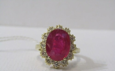 18ct YELLOW GOLD RUBY & DIAMOND CLUSTER RING, principal oval...