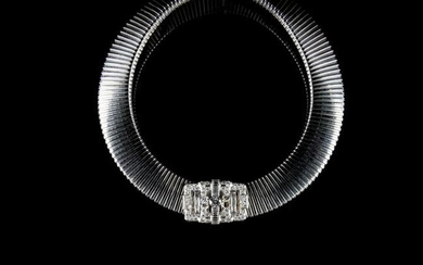 A 18kt. gold collier and bracelet with diamonds