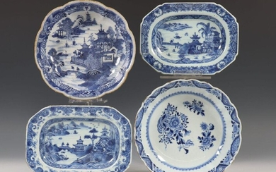 China, blue and white porcelain dishes, Qianlong, a.o....
