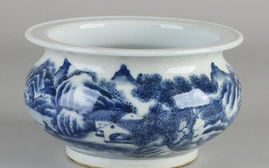 Chinese porcelain pot with landscape decoration all