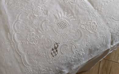 Embroidered linen cover Punto Principessa by hand - Linen - AFTER 2000