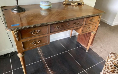 French Style Louis XVI Desk / Dressing Table, RM7A