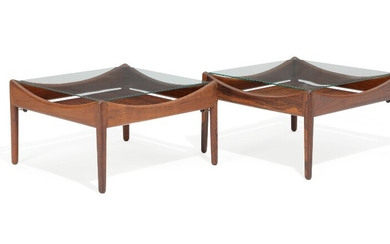 "Kristian S. Vedel: ""Modus"". A pair of rosewood coffee tables with glass top. Manufactured by Søren Willadsen. H. 33. L. 55. W. 55 cm. (2)"