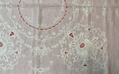 Round tablecloth for 8 in pure hand-embroidered linen - Linen - Second half 20th century