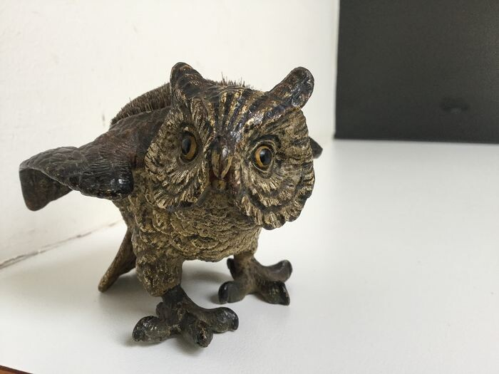 Sculpture, Viennese bronze - owl - pincushion (1) - Bronze (cold painted) - 20th century