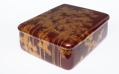 ryōshibako - Lacquered wood - Large dark red lacquered box with rounded corners with bamboo groves in goldleaf. Signed: Mitsuyoshi - Japan - Early Showa (1926-1940)