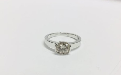 1.06ct diamond solitaire ring with a brilliant cut...