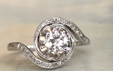 18 kt. White gold ring with diamonds approx 0.77 ct