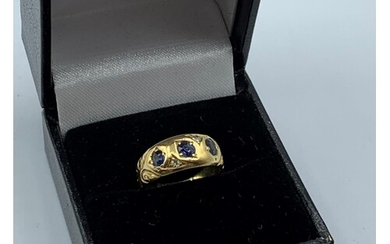 18ct Yellow Gold Vintage Ring With 3 Sapphires 3g size G