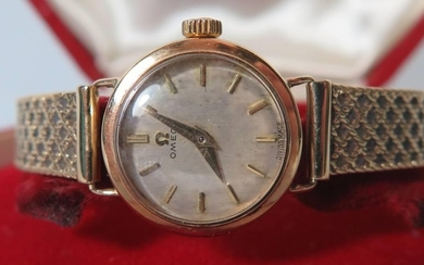 A Ladies Omega 9ct Gold Wristwatch with bracelet, movement n...