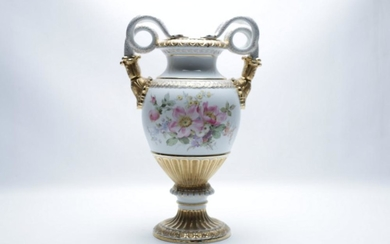 A Late C19th Meissen Snake Handle Vase with High Gloss Gilding and Floral Motif (H 38cm)