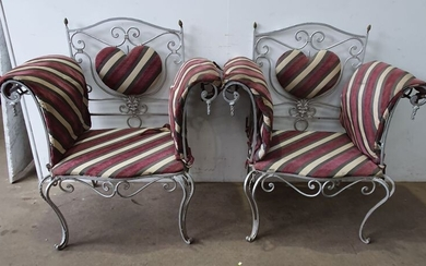 A PAIR OF FRENCH STYLE WROUGHT IRON CHAIRS ALFRESO CHAIRS