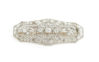 Art Deco diamond and gold filigree brooch