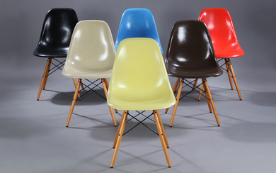 Charles Eames. Set of six shell chairs, multi-coloured, Model DSW (6)