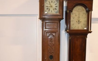 Clock in carved oak 18th century, movement added...