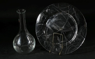 Italian Post Modern Glass Wine Carafe, for Luigi Bormioli, together with a Luigi Bormioli serving platter (H27cm)