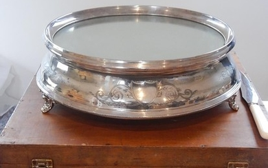 Late Victorian Mirrored Silver Plate Wedding Cake Stand & Kn...