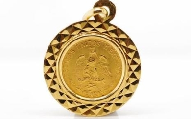 Mexican 1945 Dos Pesos coin pendant in a 18ct yellow gold ma...