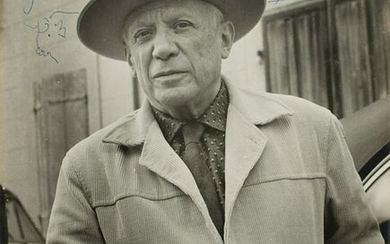 Pablo Picasso Signed Photograph