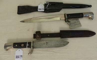 Set of 2 knives. Hitler youth dagger and German exit dagger dating from World War II. (Badge missing)