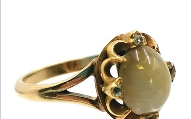 Unmarked gold Victorian diamond set Cats eye ? ring