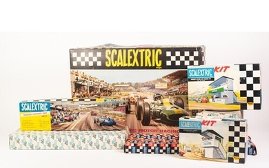 VINTAGE 'TRIANG SCALEXTRIC' MODEL RACING SET 50.S with two s...