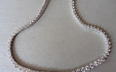15ct Diamond tennis style necklace. 3 claw setting....